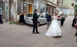 İşte sosyal mesafeli örnek düğün