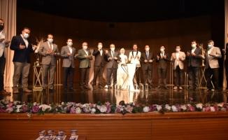 Siyaset dünyasını buluşturan düğün