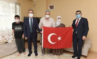 Yıldırım Belediye Başkanı Oktay Yılmaz, 15 Temmuz şehidinin yakınlarını ziyaret etti