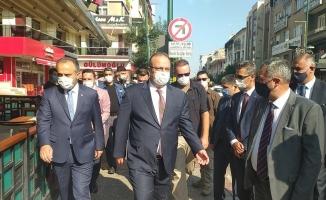 Bursa protokolü maske denetimine katıldı