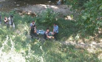 Bursa'da 30 metrelik kayalıktan düşen genci itfaiye ekipleri kurtardı
