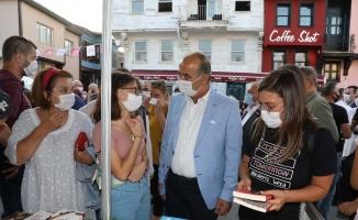 Mudanya'da her yer kitapla dolup taştı
