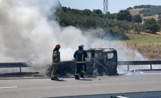 Sıcak hava otomobili küle döndürdü