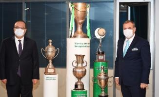 Bursa Valisi Yakup Canbolat, Bursaspor Kulübü'nü ziyaret etti