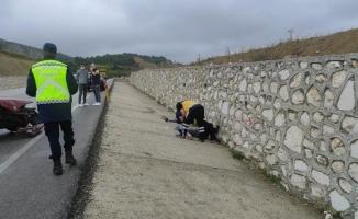 Bursa'da otomobil tıra arkadan çarptı: 4 yaralı