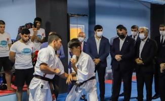 DATÜB Gençlik Kolları, Bursa'da spor salonu açtı