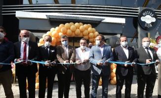 Tek oturuşta 150 bin kişi kapasiteli yemek fabrikası açıldı