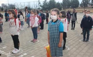 Bursa'da 320 bin öğrenci ders başı yaptı