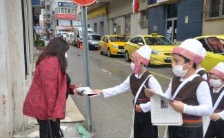 """Çocuklar """"Cumhuriyet""""i haber verdi"""