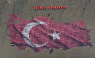 Cumhuriyet sevgisini Bursa'da dev tablo ile sergilediler