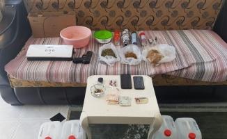 Fare ilacıyla uyuşturucu yaparak satan 3 şüpheli tutuklandı