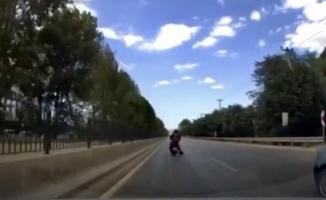 Motosiklet sürücüsünden on numaralık hareket