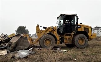 Osmangazi'de kaçak ahır, kümes ve barakalar yıkıldı