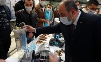 """Sanayi ve Teknoloji Bakanı Varank: """"İzmir'de gerçekleşen deprem bizi ziyadesiyle üzdü"""""""