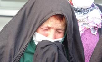 Toprakları için hukuk mücadelesi başlatan köylü kadınların gözyaşı