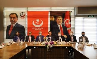 """Alfatlı: """"Türk askeri Azerbaycan'da barış gücü olarak kalmalı"""""""