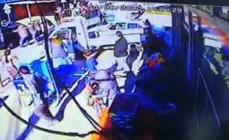 Bursa'da 4 kişinin yaralandığı silahlı kavganın görüntüleri ortaya çıktı