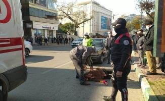 Bursa'da araba çarpan yaşlı kadının feryadı yürekleri dağladı