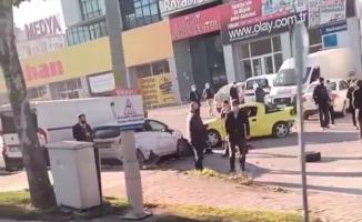 Bursa'da kontrolden çıkan otomobil park halindeki araçların arasına daldı, o anlar kameraya yansıdı