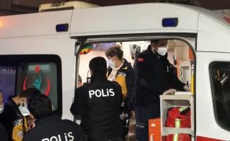 Kız meselesi yüzünden 2 kişiyi bıçaklkadı