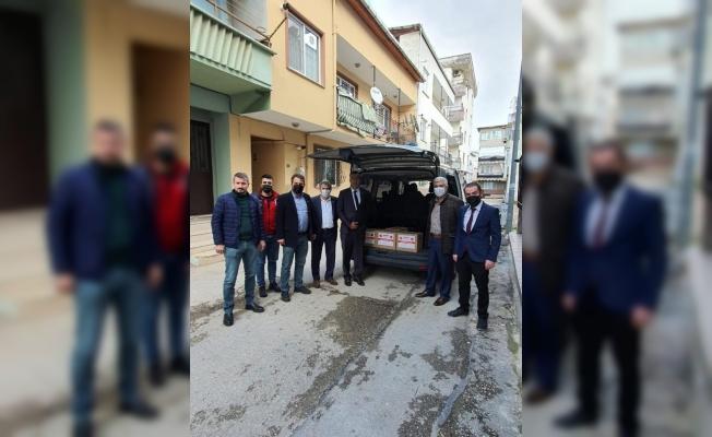 MHP Osmangazi Teşkilatı'ndan ihtiyaç sahiplerine erzak desteği
