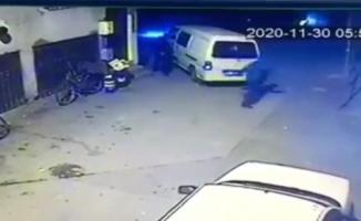 Arabasını çalan hırsızı böyle kovaladı