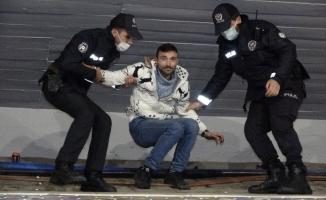 Polisi seviyorum dedi, 3 bin 186 TL para cezası yedi