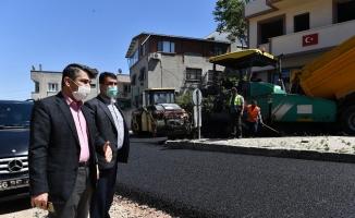 1 yılda 55 bin 700 ton asfalt