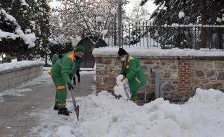 350 kişilik kar timi görev başında