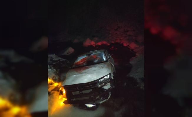 Bursa'da 3 gencin bulunduğu otomobil 40 metrelik uçurumdan aşağı uçtu