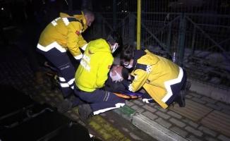 Bursa'da sürücü kontrolü kaybetti, ilk önce işçi servisine ardından durağa girdi:1 ölü, 4 yaralı