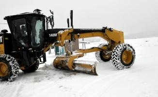 Bursa'da yoğun kar mesaisi