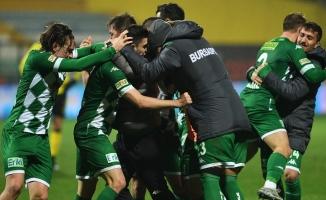 Bursaspor'da ilk hedef kadroyu elde tutmak