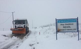 İnegöl Belediyesi karla mücadeleyi aralıksız sürdürüyor
