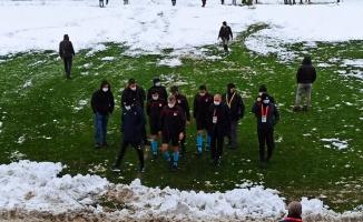 Kar yağışı nedeniyle maç ertelendi