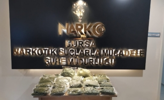 Narkotik ekipleri 15 kilo uyuşturucu ele geçirdi