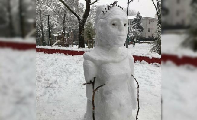 """(Özel) İyi ki varsın """"kardan adam"""""""