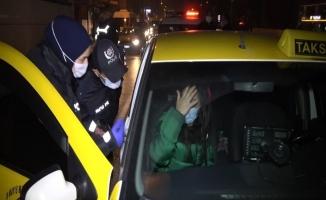 """(Özel) Ticari takside alkol alırken yakalanan genç kadın, """"hastaneye gidiyordum"""" dedi"""