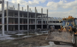 Bursa'da devasa hastanede inşaat yeniden başladı