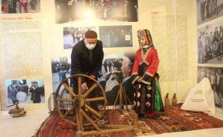 Kendi aralarında para toplayıp köye müze kurdular