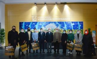Mehmet Akif İnan şiirlerini okuma yarışmasında ödüller sahiplerini buldu
