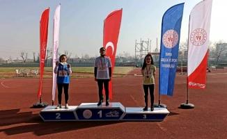 Mudanyalı atletlerden yılın ilk madalyaları