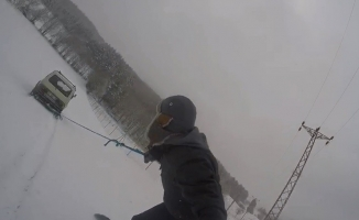 (Özel) Köyde snowboard keyfi