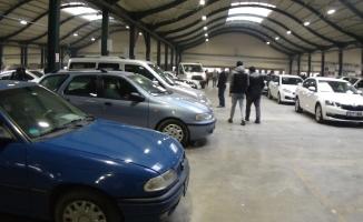 İnegöl'de aylar sonra ikinci el oto pazarı açıldı