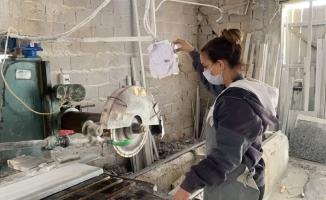 Bursa'da ekmeğini 'Mermer'den çıkartan kadın, görenleri şaşırtıyor
