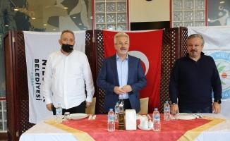 Başkan Erdem'den Nilüfer'in sultanlarına kutlama ziyareti