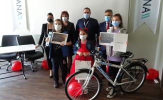Çocukların kaleminden sağlık çalışanları