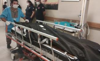 İş makinesinin altında kalan işçi hayatını kaybetti