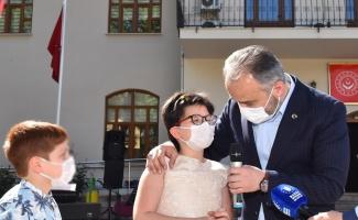 Bursa'da Ramazan Bayramı'nda çocuklar sevindirildi