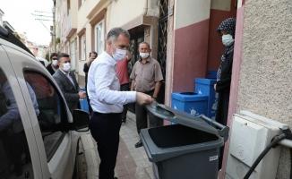İnegöl'de 10 mahalleye bireysel konteyner dağıtımı tamamlandı